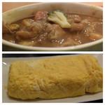 西新宿 小町食堂 - チキンカレーの様な煮物、玉子焼き