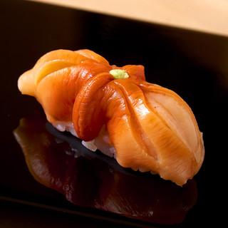 関西と江戸前の鮨文化が絶妙に調和した握り