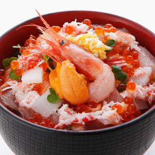 やっぱり魚と米はウマい!高コスパ<海鮮丼>は580円~です!