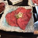 焼肉バル KAKI - 山形牛赤身5秒焼き