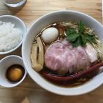 くろ松 - (松) 特級中華そば 醤油  ¥900 大盛 +¥100  雲丹醤油漬け卵黄ごはん ¥200