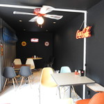 AMERICANS FOOS 80 DINER BIKER'S VINTAGE CAFE - 内観写真: