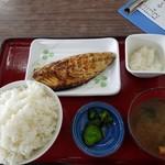 ひもの食堂 - 昆布サバの干物定食 ご飯大盛り