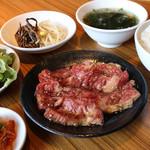 すみ屋 - Aランチ「牛カルビ定食」