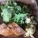 Creativo Cafe Italiano unotto - サラダ (´∀`)/ パン 玉子焼