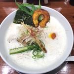 暁 製麺 - 鶏豚だしらぁ麺 710円(税込)