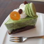 スイーツショップ ベイヒルズ - 料理写真:「抹茶ショート」上質な抹茶を使用。