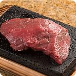 やっぱりステーキ - 赤身ステーキはキメが細かく旨味があります  肉のキメが細かく旨みのある
