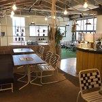 食堂カフェ potto - 1階テーブル席
