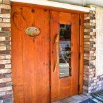 ペペルル - 入口はこちらのドアです