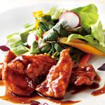 南国酒家 - 名古屋コーチンささみの照り焼き シークヮーサーソース サラダ添え