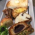 ラスティコスリー - モーニングのパンの中身は色々です