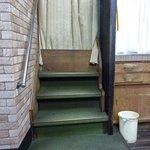867721 - 二階への階段、今はふさがれています