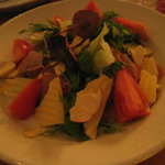ドラム館 - 料理写真:ハムとチーズのサラダ