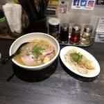 麺屋宗 - 肉まきそば & 麻辣水餃子
