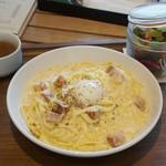 MouMou Cafe - こだわり生クリームのカルボナーラ大盛り