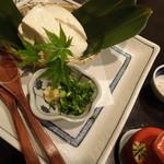 禅紫 - 自家製豆腐冷やっこ
