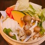 小籠包バル HASHIYA -