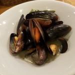 ル・コントワール・ド シャンパン食堂 - ムール貝のシャンパン蒸し