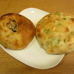 オレノ パン オクムラ - きのこボール、枝豆とチーズのフォッカチャ