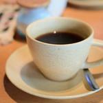 チャベ - 【ヤギ肉カレーとごはん@税込950円】ホットコーヒー
