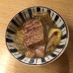 和洋酒菜 ひで - 鯨と白菜の煮物