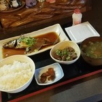 Hashitsu - 本日のランチ「真あじ煮付 (750円)」
