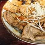 86713551 - 豚丼 竹(単品) 680円