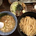 自家製麺つけ麺 紅葉 - つけ麺並と炙りチャーシュー飯セット   1000円