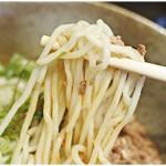 86714154 - 細めな麺。