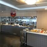Tallink Silja International  - 左側奥はホットメニューということは左に進むとコールドメニューがあるはずです!