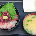 志摩の海鮮丼屋 - 「究極の糸島海鮮丼(大)」(980円)。糸島スペシャルなんです。