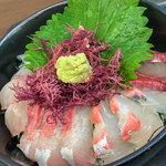 志摩の海鮮丼屋 - 旬のお魚を存分に楽しめます♪