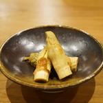心粋厨房 獬 - さしぼ:イタドリの新芽