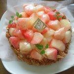 ミリオン洋菓子店 - もものタルト