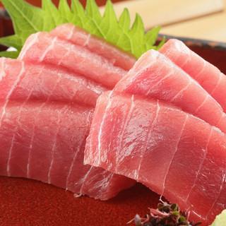 【鮮魚】名古屋の柳橋市場から仕入れる新鮮な旬魚をお刺身で