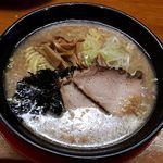 麺酒場 うめもと - 背油ラーメン