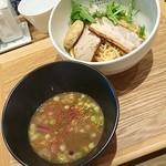86732820 - 煮干しつけ麺(ゆず風味・とりつくね)950円