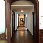 ラ・メゾン・キオイ - バー ナポレオンの手前にお化粧室があります