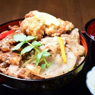 【よくばりロマン丼】人気ランチ丼を3種一度に味わえる!