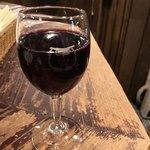 86737501 - グラス赤ワイン ムートンカデ 680円