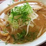 86737899 - ラーメン(醤油豚骨味)