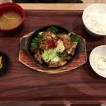 米どころん - 料理写真:新メニューの回鍋肉定食 820円