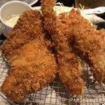 産直青魚専門 御厨 - ミックスフライ定食 1200円。