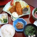 味田中 - 鯵フライ定食 ¥800