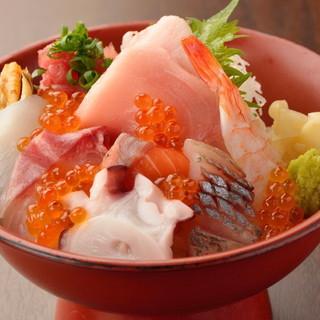 【ランチ】お昼の御膳・コース/名物の海鮮丼・天丼をご提供