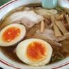 新月  - 料理写真:ワンタン麺 煮玉子 850円