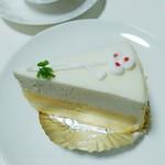 パティスリー ウチヤマ - レアチーズケーキ