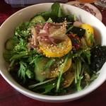 トゥエルブ - 調布産の野菜サラダ、これは良い!