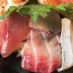 86753670 - 海鮮丼 アップ